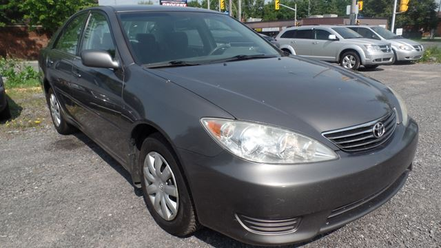 2006 toyota camry le grey mtc auto sales. Black Bedroom Furniture Sets. Home Design Ideas