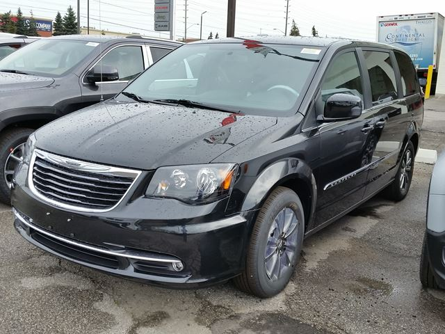 2015 chrysler town and country s vaughan ontario new car for sale 2246304. Black Bedroom Furniture Sets. Home Design Ideas
