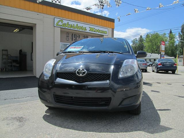 2010 Toyota Yaris Le Black Lakeshore Motors