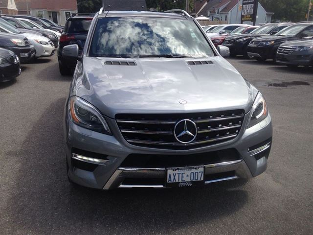 2012 mercedes benz m class ml550 ottawa ontario used car for sale 2250930. Black Bedroom Furniture Sets. Home Design Ideas