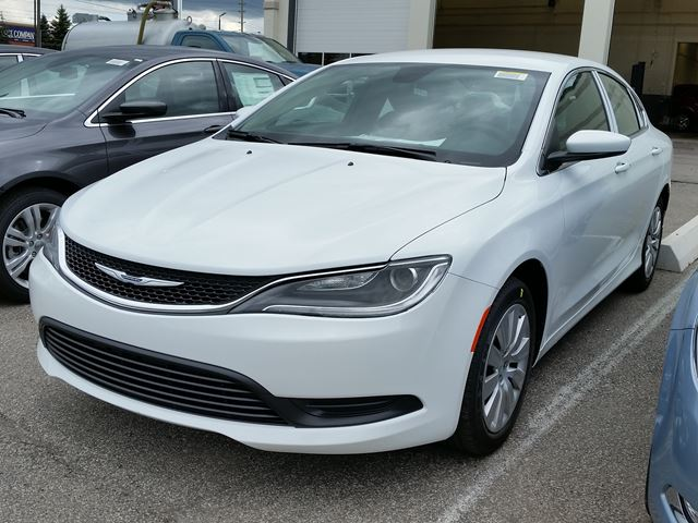 2016 chrysler 200 lx vaughan ontario new car for sale. Black Bedroom Furniture Sets. Home Design Ideas