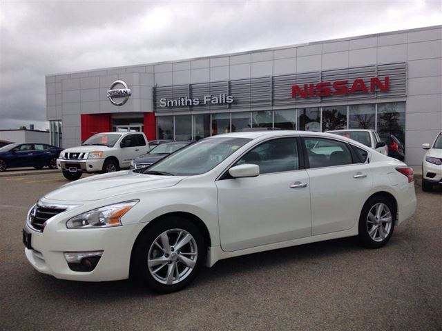 2015 nissan altima 2 5 sv smiths falls ontario used car for sale 2257691. Black Bedroom Furniture Sets. Home Design Ideas