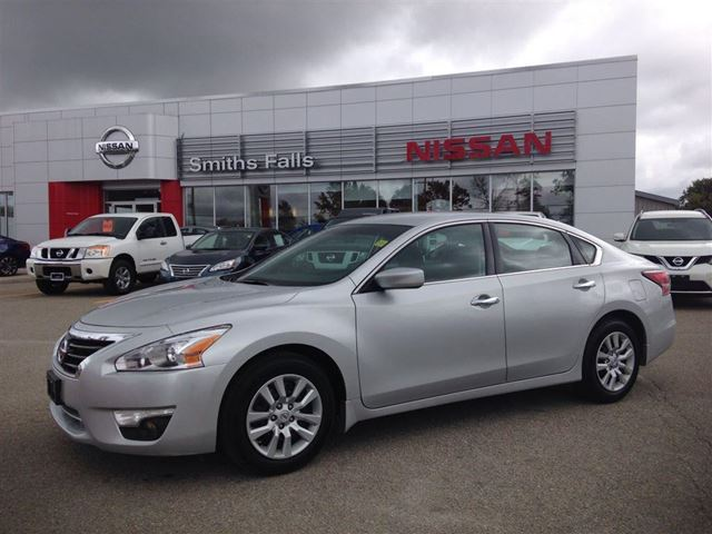 2015 nissan altima 2 5 s smiths falls ontario used car for sale 2257693. Black Bedroom Furniture Sets. Home Design Ideas