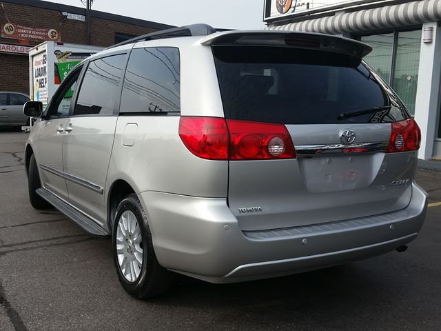 2009 toyota sienna xle toronto ontario used car for sale 2261287. Black Bedroom Furniture Sets. Home Design Ideas