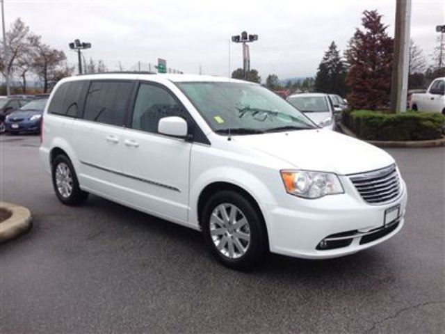 2014 chrysler town and country 7 passenger pitt meadows british columbia used car for sale. Black Bedroom Furniture Sets. Home Design Ideas