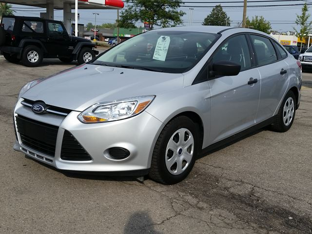 2014 ford focus s hamilton ontario used car for sale. Black Bedroom Furniture Sets. Home Design Ideas