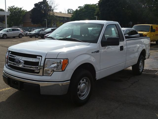 2014 ford f 150 xl hamilton ontario used car for sale 2265433. Black Bedroom Furniture Sets. Home Design Ideas