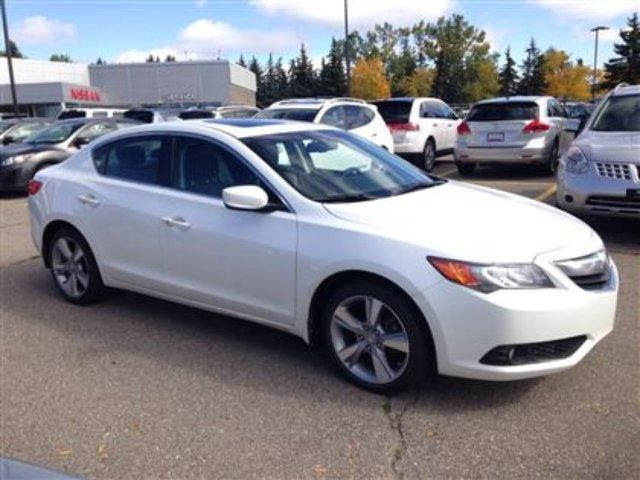 2013 acura ilx base w technology package calgary alberta used car for sale 2267012. Black Bedroom Furniture Sets. Home Design Ideas