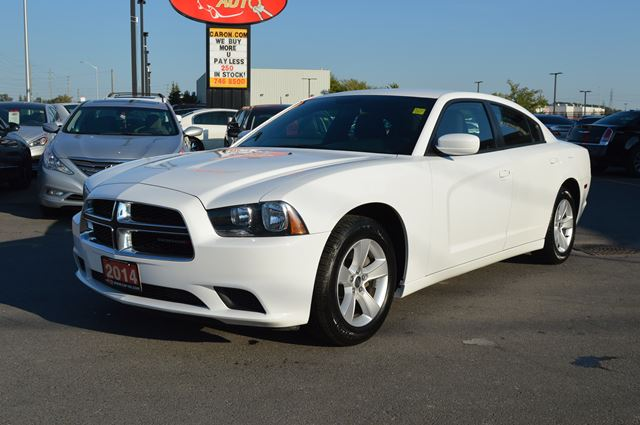 2014 dodge charger se white car on auto sales. Black Bedroom Furniture Sets. Home Design Ideas