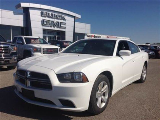 2014 dodge charger se white gus brown buick gmc port perry. Black Bedroom Furniture Sets. Home Design Ideas