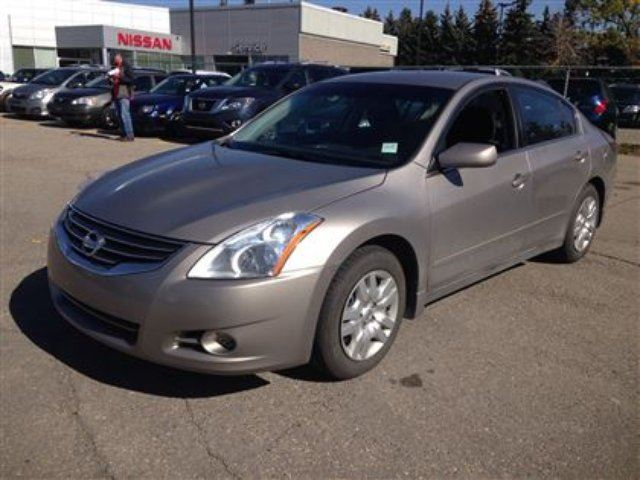 2011 nissan altima 2 5 s calgary alberta used car for. Black Bedroom Furniture Sets. Home Design Ideas