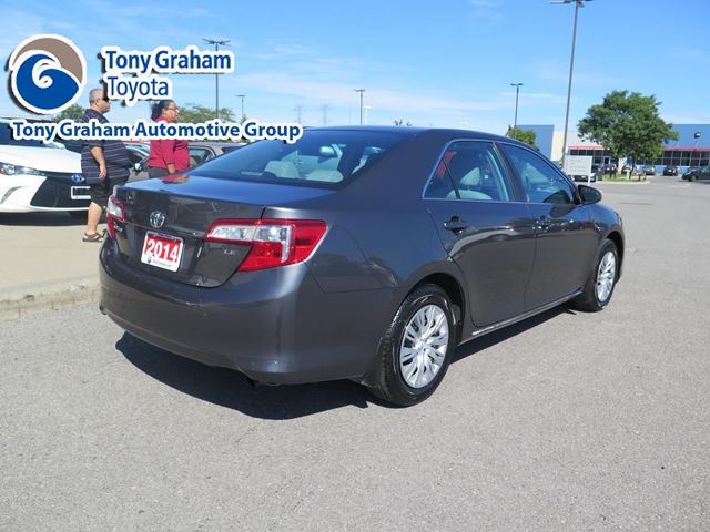 2014 toyota camry nepean ontario used car for sale. Black Bedroom Furniture Sets. Home Design Ideas