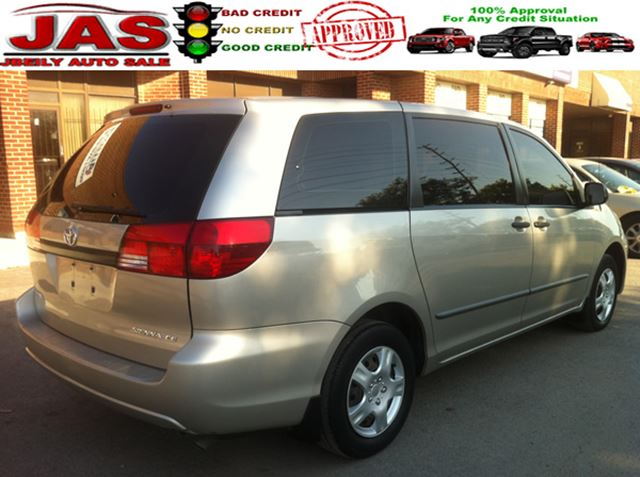 2005 toyota sienna ce concord ontario car for sale 2282007. Black Bedroom Furniture Sets. Home Design Ideas