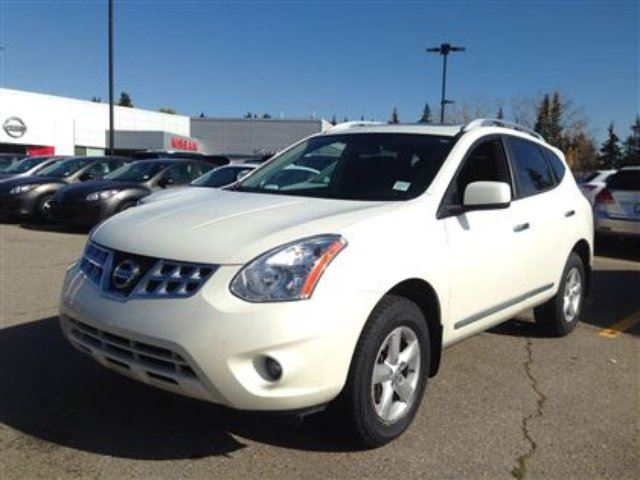 2013 nissan rogue s calgary alberta used car for sale 2283764. Black Bedroom Furniture Sets. Home Design Ideas