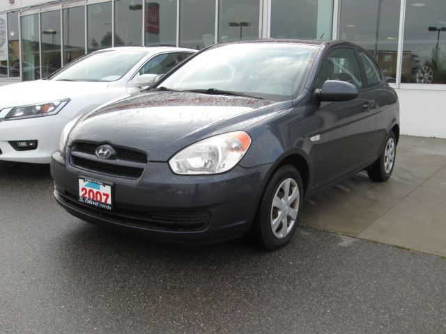 2007 hyundai accent se 3 door toronto ontario used car. Black Bedroom Furniture Sets. Home Design Ideas