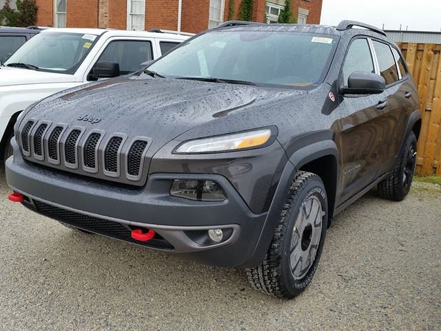 2016 Jeep Cherokee Trailhawk 4x4 in Milton, Ontario