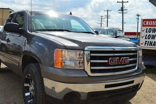 2013 gmc sierra 1500 sle z71 custom rims power options. Black Bedroom Furniture Sets. Home Design Ideas
