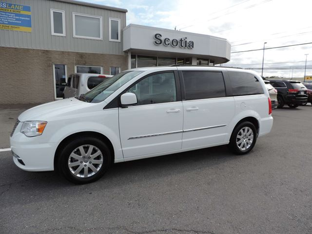 2014 chrysler town and country touring sydney nova. Black Bedroom Furniture Sets. Home Design Ideas