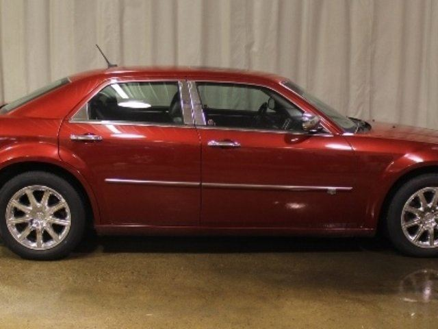 2008 CHRYSLER 300 FWD 5.7L Leather Moonroof in Vegreville, Alberta