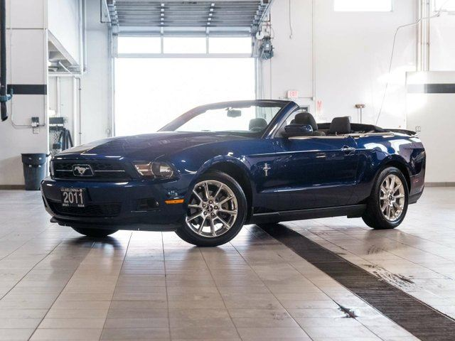 2011 ford mustang v6 convertible kelowna british columbia used car for sale 2303925. Black Bedroom Furniture Sets. Home Design Ideas