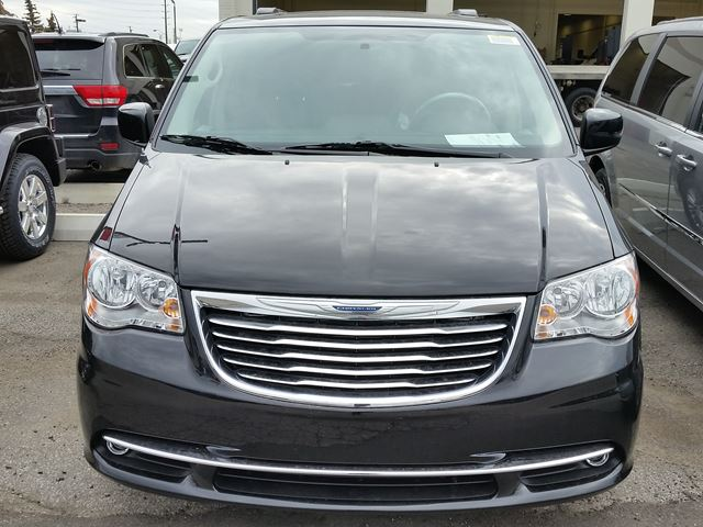 2016 chrysler town and country touring l anniversary edition vaughan. Cars Review. Best American Auto & Cars Review
