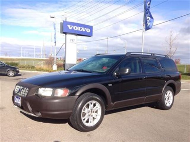 2004 volvo xc70 2 5t awd a black volvo of mississauga. Black Bedroom Furniture Sets. Home Design Ideas