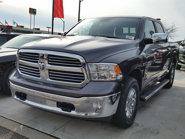 2016 dodge ram 1500 big horn 4x4 vaughan ontario car for sale 2312880. Black Bedroom Furniture Sets. Home Design Ideas