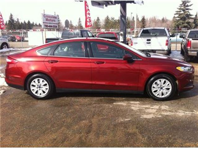 2014 ford fusion power options low km 39 s edmonton alberta used car for sale 2314025. Black Bedroom Furniture Sets. Home Design Ideas