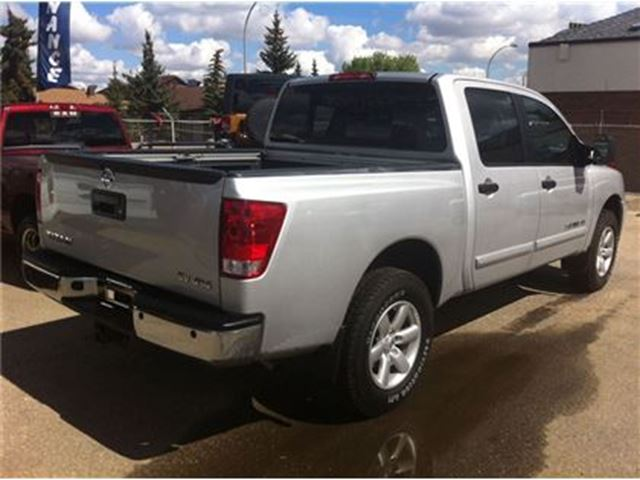 2014 nissan titan sv 4x4 power options 5 6l v8 edmonton alberta car for sale 2314099. Black Bedroom Furniture Sets. Home Design Ideas