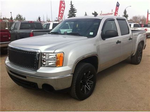 Used 2007 Gmc Sierra Sle Silver Bed Cover For Sale: 2010 GMC Sierra 1500 SLE Custom Rims Great Towing