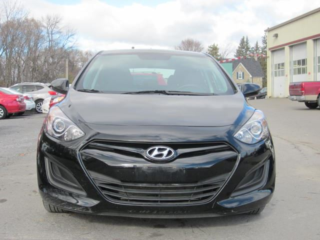 2013 hyundai elantra gt 6 speed manual a c only 43k stittsville ontario used car for sale. Black Bedroom Furniture Sets. Home Design Ideas