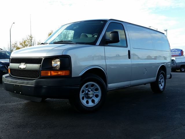 2009 chevrolet express 1500 belleville ontario used car for sale 2318421. Black Bedroom Furniture Sets. Home Design Ideas