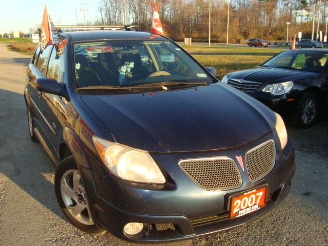 2007 pontiac vibe matrix only 156km accident free. Black Bedroom Furniture Sets. Home Design Ideas