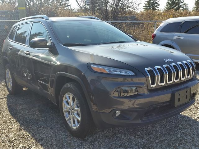 2016 jeep cherokee north 4x4 vaughan ontario car for sale 2325545. Black Bedroom Furniture Sets. Home Design Ideas