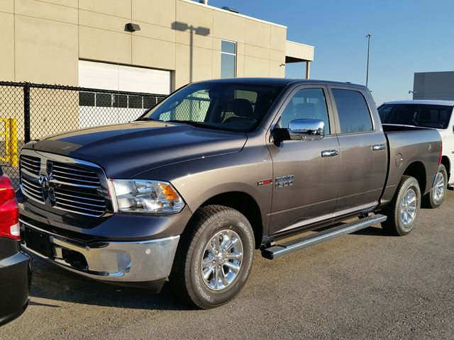 2016 dodge ram 1500 big horn 4x4 vaughan ontario car for sale 2335819. Black Bedroom Furniture Sets. Home Design Ideas