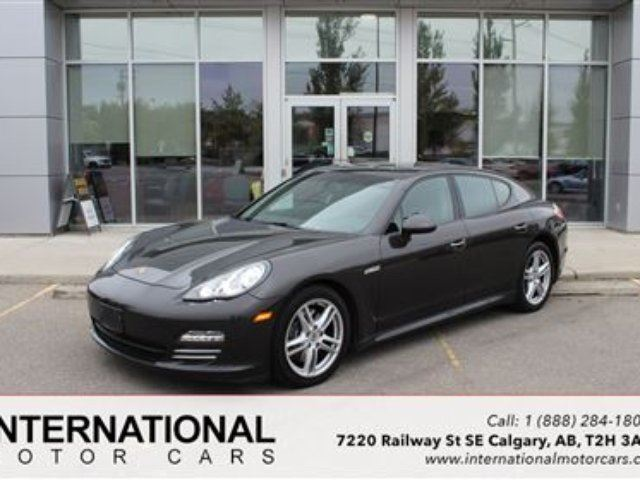 2011 PORSCHE PANAMERA 4 AWD! LOW KMS! HIGHLY OPTIONED! in Calgary, Alberta