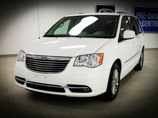 2014 chrysler town country touring l white kentwood. Black Bedroom Furniture Sets. Home Design Ideas