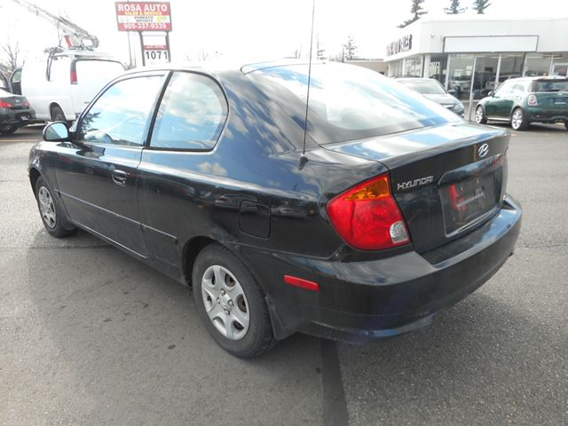 used 2005 hyundai accent gt 5spd for 995 in oakville. Black Bedroom Furniture Sets. Home Design Ideas