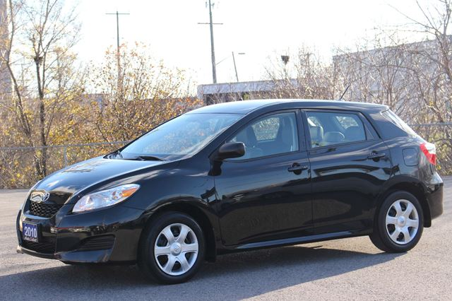 used 2010 toyota matrix only 99k clean caproof all. Black Bedroom Furniture Sets. Home Design Ideas