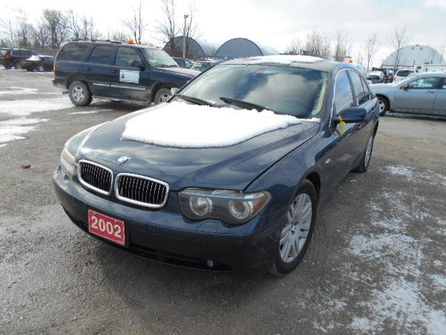 2002 bmw 745i blue north toronto auction. Black Bedroom Furniture Sets. Home Design Ideas