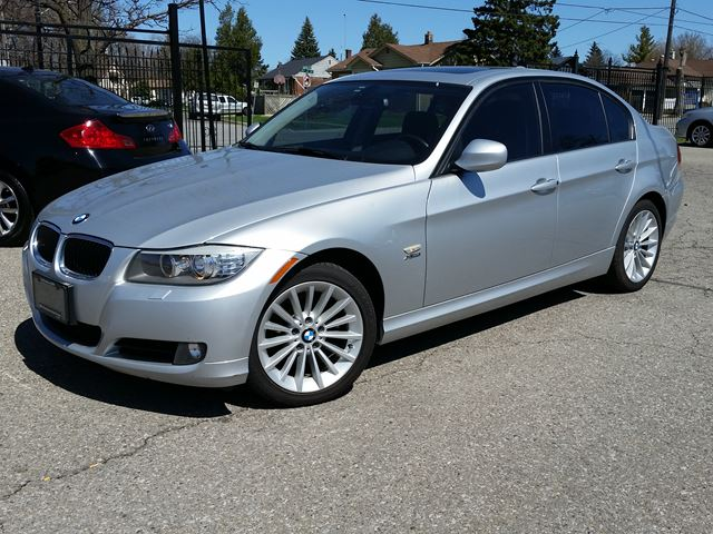 2011 bmw 3 series 328i xdrive classic edition silver ca. Black Bedroom Furniture Sets. Home Design Ideas