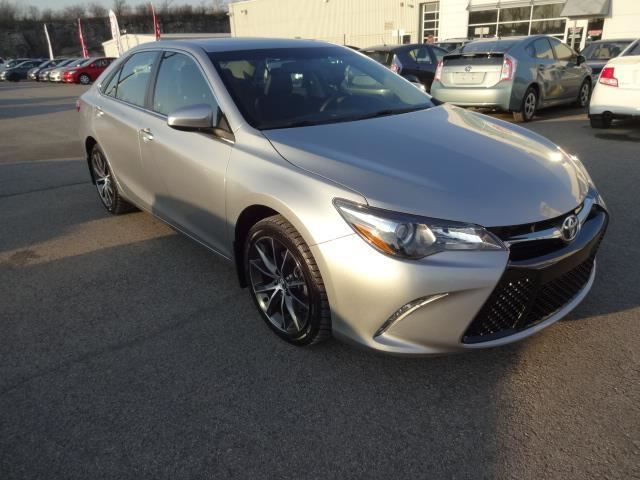 2015 toyota camry xse premium laval quebec used car for sale 2347048. Black Bedroom Furniture Sets. Home Design Ideas