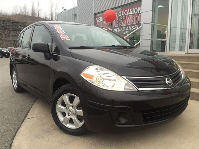 2010 nissan versa 1 8sl fiable et economique black auto gouverneur nissan laval. Black Bedroom Furniture Sets. Home Design Ideas