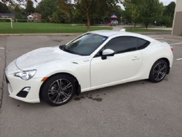 2015 scion fr s white lease busters. Black Bedroom Furniture Sets. Home Design Ideas
