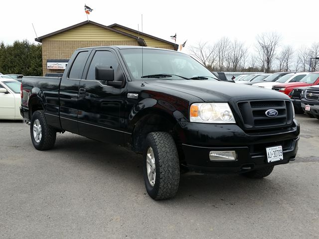2005 ford f 150 xl super cab 4x4 ottawa ontario used. Black Bedroom Furniture Sets. Home Design Ideas