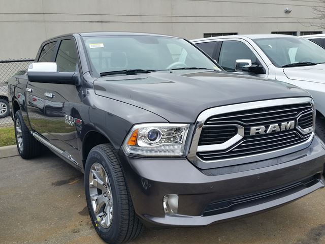 2016 dodge ram 1500 limited 4x4 eco diesel vaughan ontario car for sale 2356808. Black Bedroom Furniture Sets. Home Design Ideas