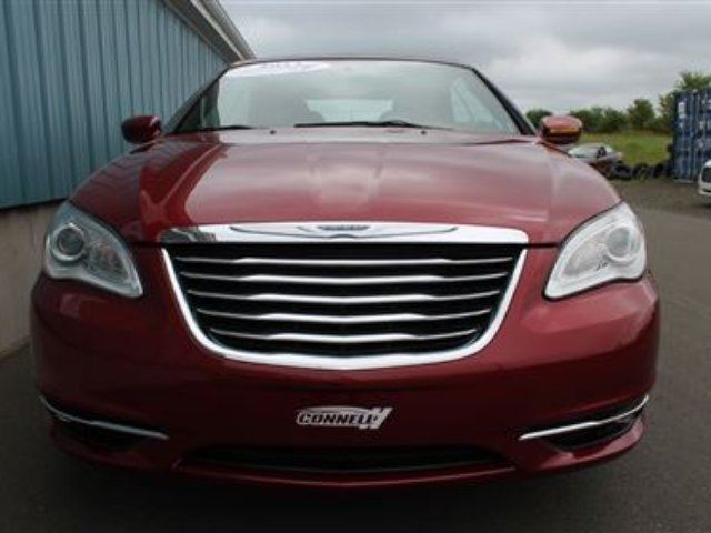 2013 chrysler 200 touring middleton nova scotia car for sale 2358732. Black Bedroom Furniture Sets. Home Design Ideas