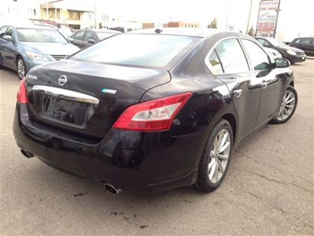 2011 nissan maxima dealer of the year 2015 and 2016 bolton ontario car for sale 2361538. Black Bedroom Furniture Sets. Home Design Ideas