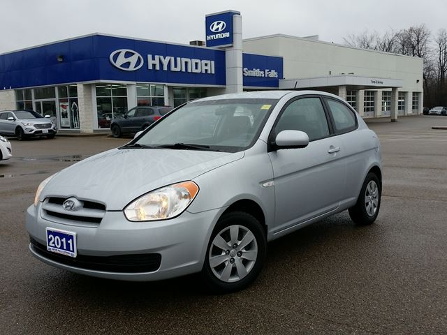 2011 hyundai accent gl silver smiths falls hyundai. Black Bedroom Furniture Sets. Home Design Ideas