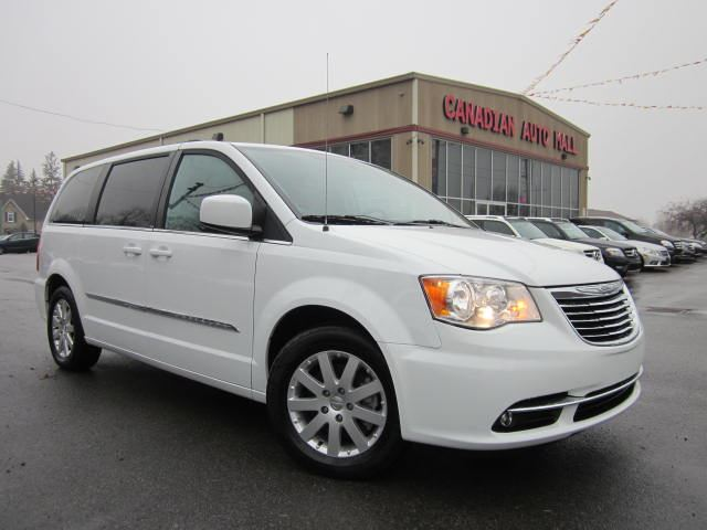 2014 chrysler town and country touring dvd nav 38k stittsville ontario used car for sale. Black Bedroom Furniture Sets. Home Design Ideas